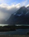 starke-winde-peitschendes-wasser-wildes-patagonien