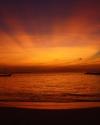 goldiger-abendhimmel-auf-den-malediven